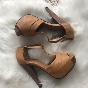 Stunning! Brown super comfortable heels